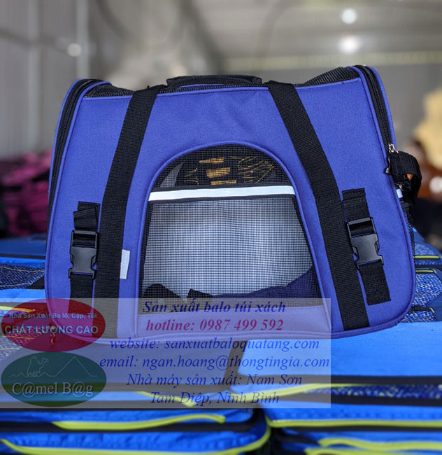 Producing dog and cat backpacks for export